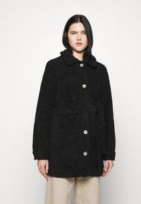 JDY - JDYSTELLA BELT JACKET - Klasický kabát - black - 0