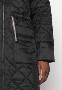 Hunter ORIGINAL - WOMENS REFINED LONG QUILTED COAT - Zimní kabát - black - 7