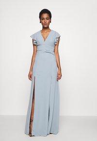 TFNC Tall - REA MAXI - Společenské šaty - dustry sage - 0