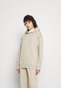 Nike Sportswear - HOODIE  - Sudadera - beige - 0