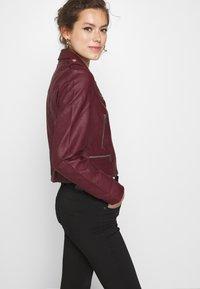 Morgan - GRAMMO - Faux leather jacket - bordeaux - 4