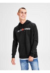 Jack & Jones - JJECORP LOGO HOOD - Hoodie - black - 0