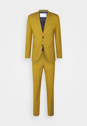 SLHSKINNY- YLOLOGAN SUIT - Oblek - mustard gold