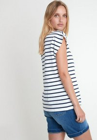 Maison 123 - Print T-shirt - bleu marine - 2
