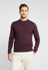 Tommy Hilfiger - TIPPED CREW NECK - Stickad tröja - red - 0