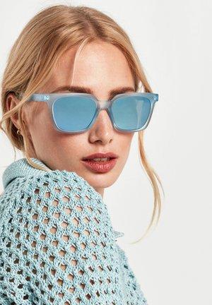 LUST - Solglasögon - blue
