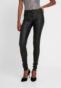 ONLY Tall - ONLLOULOU PUSHUP COAT PANTS - Pantalon classique - black - 0