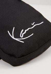 Karl Kani - SIGNATURE TAPE BODY BAG - Bum bag - black/white - 2