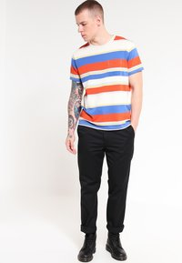 Carhartt WIP - MASTER PANT DENISON - Spodnie materiałowe - black rinsed - 1