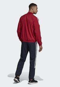 adidas Performance - LIGHT WOVEN TRACKSUIT - Träningsset - red - 2
