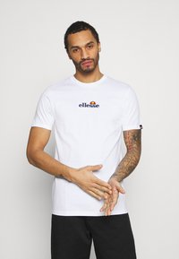 Ellesse - MAVOZ - T-shirt z nadrukiem - white - 0