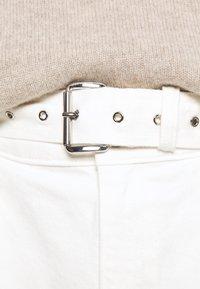 MICHAEL Michael Kors - PLEATED BELTED - Denim shorts - white - 3