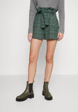 ITRITO - Shorts - vert