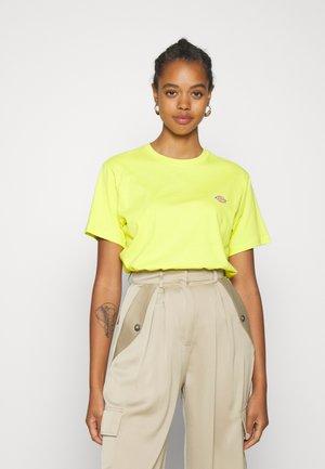 STOCKDALE W - Print T-shirt - sulphur