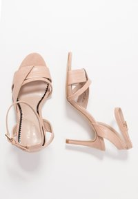 Miss Selfridge Wide Fit - WIDE FIT STELDA HILDA UPDATE - Korolliset sandaalit - nude - 3