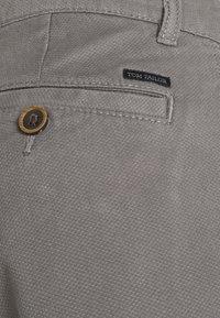 TOM TAILOR - Shorts - castlerock grey - 4