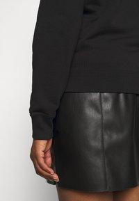 Calvin Klein Jeans Plus - CORE INSTITUTIONAL - Sweatshirt - black - 5