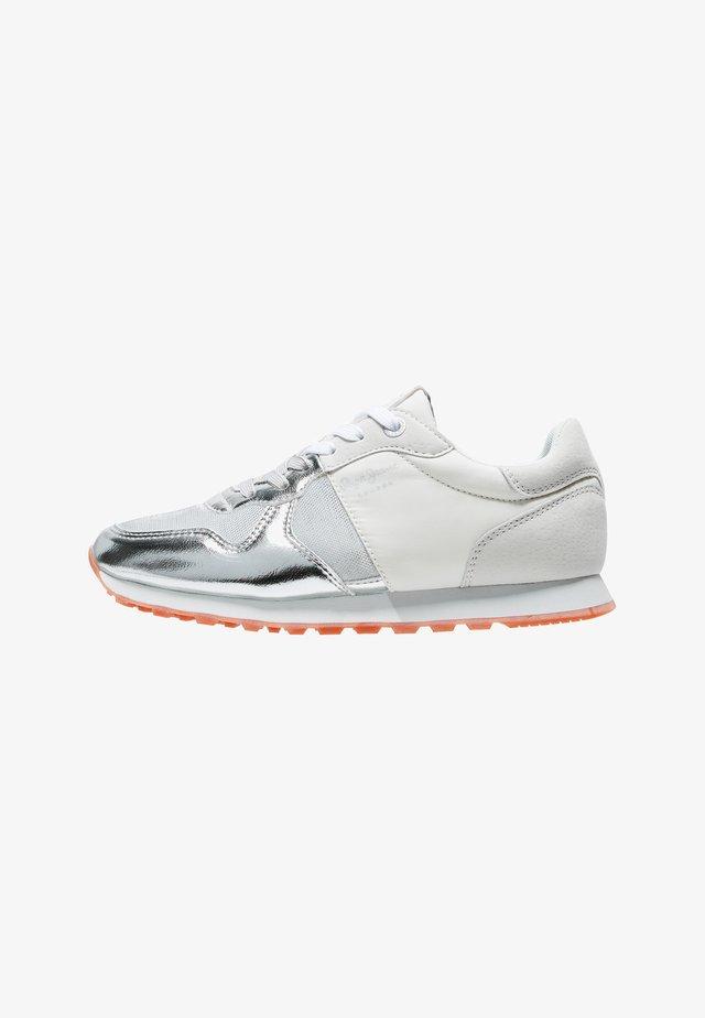 VERONA W VERSUS - Sneakersy niskie - plata