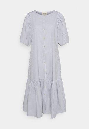 VIVIAN SS MIDI OVERSIZE DRESS - Vestido camisero - blue/white