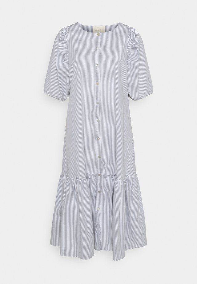 VIVIAN SS MIDI OVERSIZE DRESS - Skjortekjole - blue/white