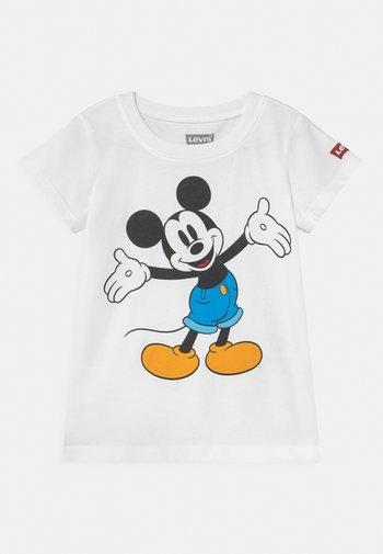 MICKEY MOUSE HAPPY - Camiseta estampada - white