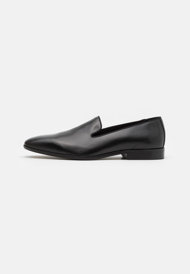 FABIO - Smart slip-ons - black
