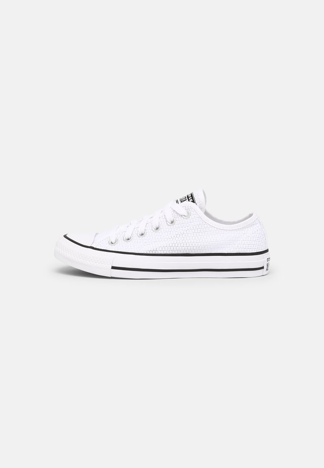 CHUCK TAYLOR ALL STAR CROCHET PLAY - Trainers - white/black