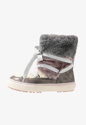 Šněrovací kotníkové boty - plomo