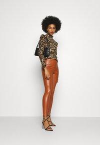 New Look - Leggings - Hosen - rust - 1