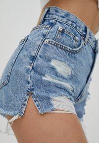 PULL&BEAR - Denim shorts - royal blue - 4