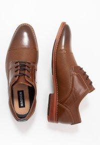 Madden by Steve Madden - Elegantní šněrovací boty - cognac - 1