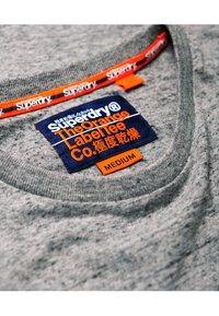 Superdry - ORANGE LABEL VINTAGE - T-shirt basic - grey - 4