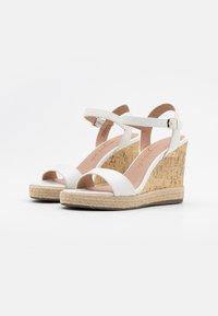 New Look - PERTH - Sandaler med høye hæler - white - 2