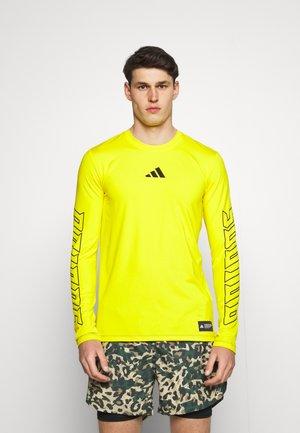 HYPE TEE - Sportshirt - yellow