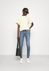 rag & bone - CATE MID RISE ANKLE WHITE LABEL - Jeans Skinny Fit - pismo - 1
