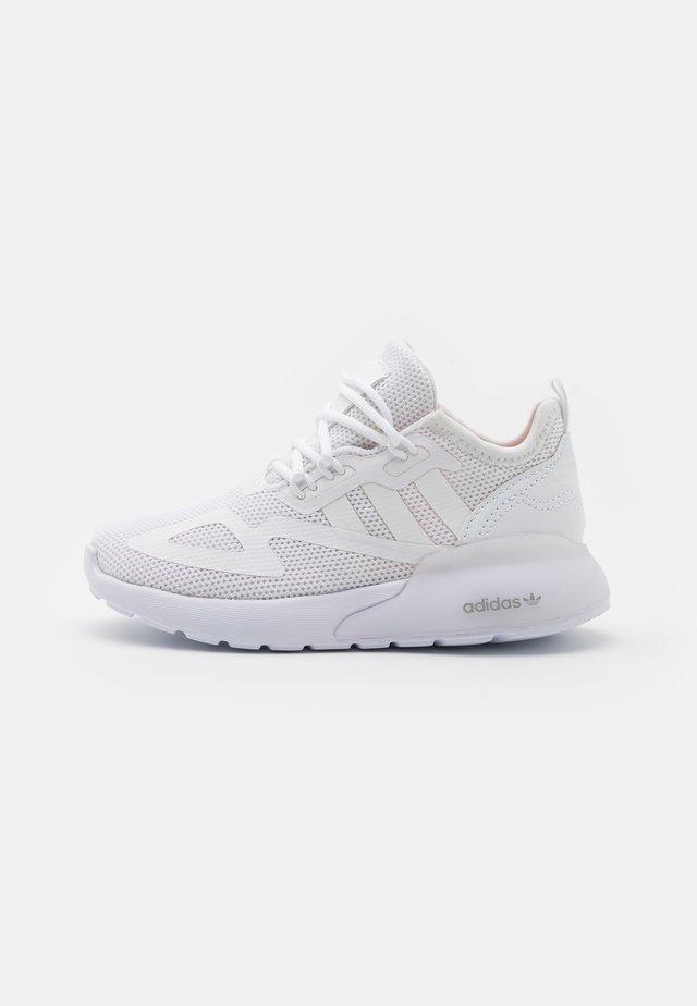 ZX 2K UNISEX - Trainers - footwear white/grey one