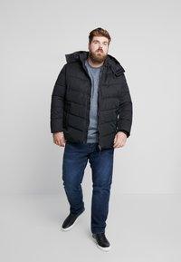 TOM TAILOR MEN PLUS - PUFFER JACKET WITH HOOD - Light jacket - black - 1