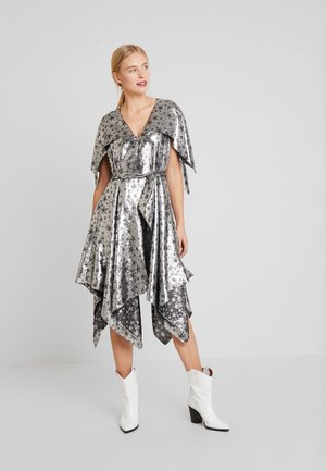 ZENDAYA STAR DRESS - Juhlamekko - metallic