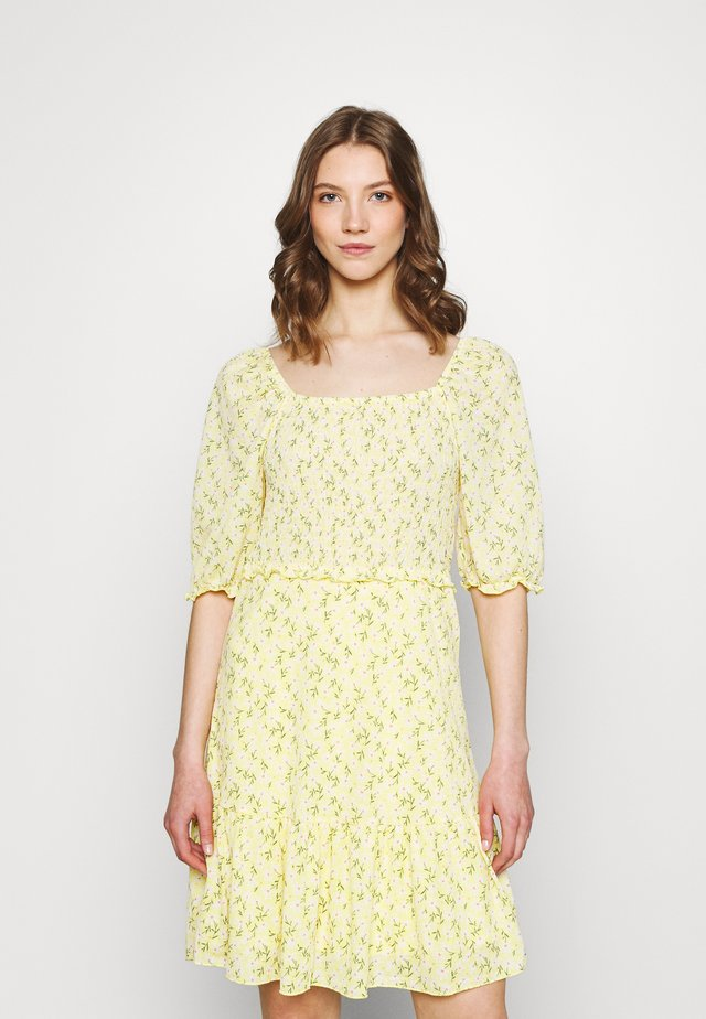 ONLPELLA DRESS - Vestido informal - sunshine