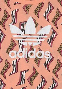 adidas Originals - ANIMAL TREFOIL - Print T-shirt - glow pink/multicolor/white - 2