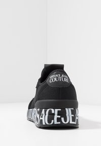 Versace Jeans Couture - Sneakers - black - 3