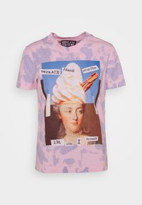 Versace Jeans Couture - Print T-shirt - blue bell/pink confetti - 4