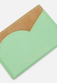 Rejina Pyo - CARD HOLDER - Wallet - mint green/patent brown - 3