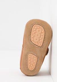 Bisgaard - WARM BABY STAR HOME SHOE - First shoes - cognac - 5