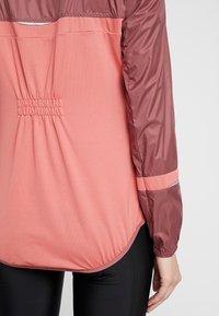 ODLO - JACKET FUJIN LIGHT - Vodotěsná bunda - roan rouge/faded rose - 5