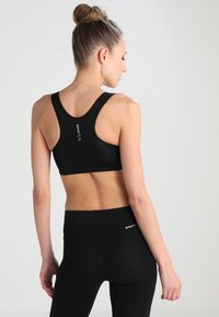 ONLY Play - ONPMARTINE SEAMLESS SPORTS  BRA - Sport BH - black solid - 2