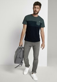 TOM TAILOR - T-Shirt print - stroke green - 1