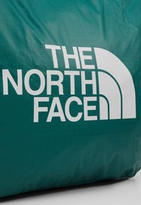 The North Face - STRATOLINE TOTE - Sports bag - night green/tin grey - 6