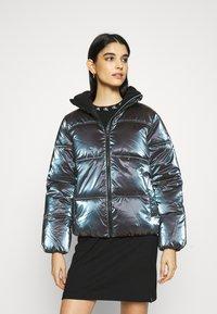 Calvin Klein Jeans - IRIDESCENT STAND COLLAR PUFFER - Winter jacket - gentian violet - 0