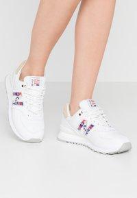 New Balance - WL574 - Zapatillas - white - 0